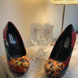Floral heels Steve Madden